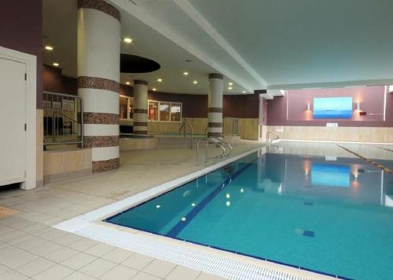 Raheen Woods Hotel €42